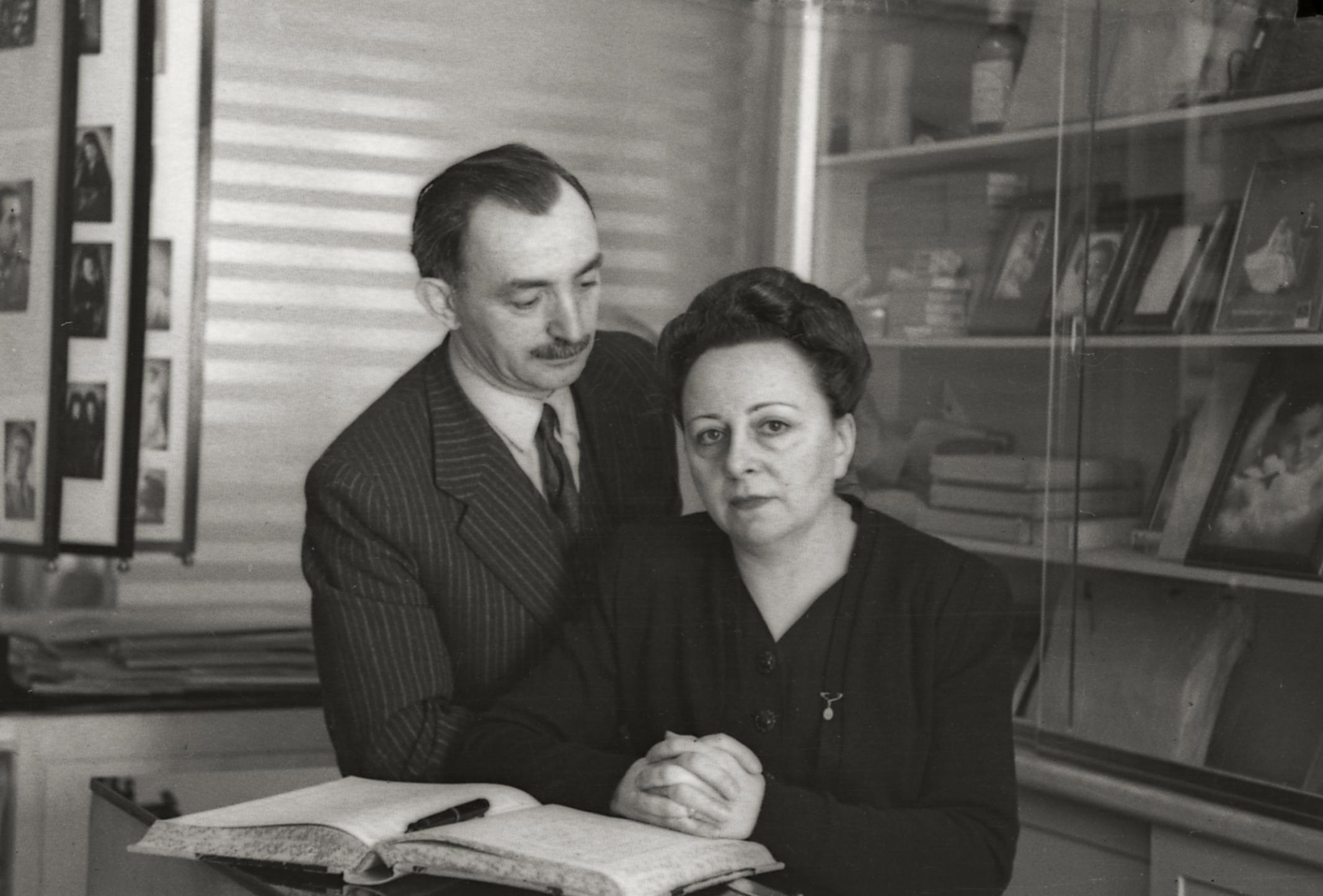 Los fundadores Ernesto y Dora,
